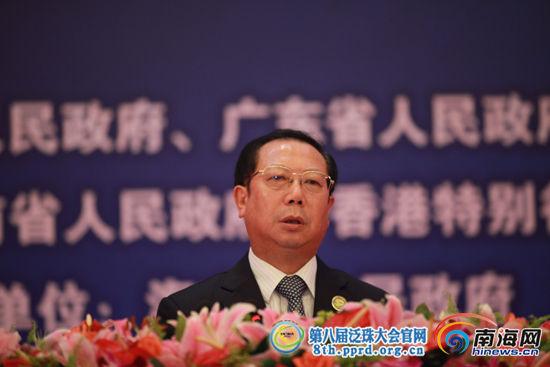 国家旅游局副局长王志发发表演讲(南海网记者 张茂摄)
