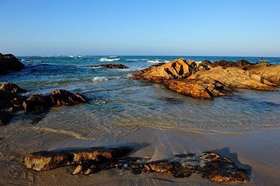 湛蓝色的海水