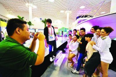 风尚海南·2012旅游产品交易会昨开馆迎客