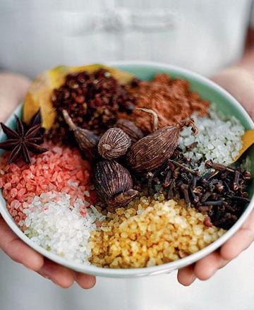 海南丰饶的物产和独特的地域文化被充分体现在各家五星级酒店的创新餐饮中
