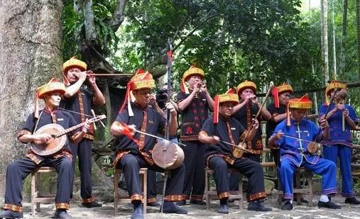 黎族传统乐器表演