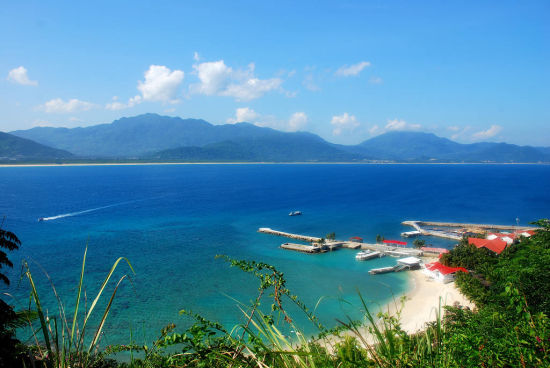 三亚分界洲岛 体验海底浪漫之旅(图)