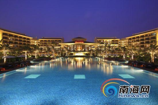 万宁神州半岛福朋酒店(喜来登集团管理)的华美夜景