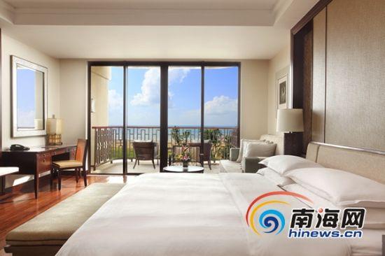 神州半岛福朋酒店共有共有308间宽敞宜人的客房与套房,每一间均可饱览开阔的无边海景,令人心旷神怡。
