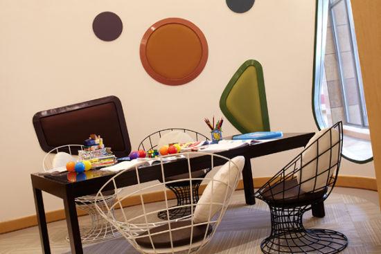 R-Kids---Arts-&-Crafts-Room-童星俱乐部绘画室