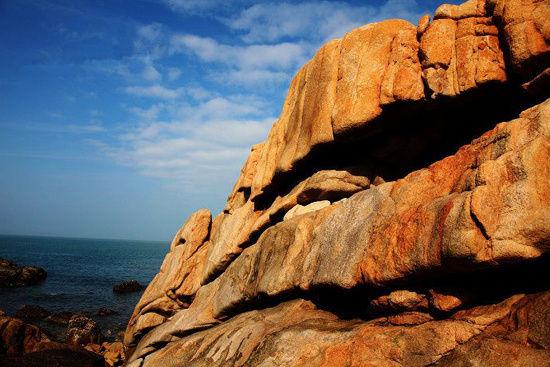 巨大而瑰丽的石头