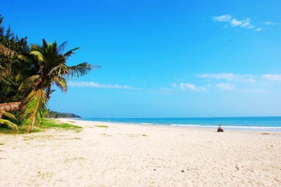 蓝天、白云 阳光、沙滩