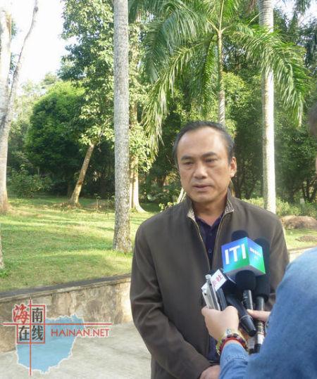 记者采访儋州市旅游局局长 李洪涛