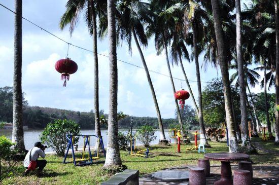 龙鳞村湖边景观