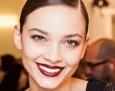 新年唇色亮起来完美唇色为妆容加分