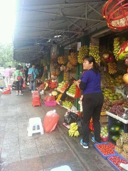 第一市场水果摊掠影