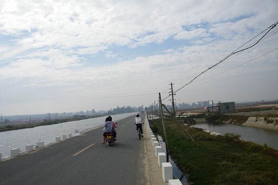 骑行在乎的就是带着勇敢的心脏看沿途的风景