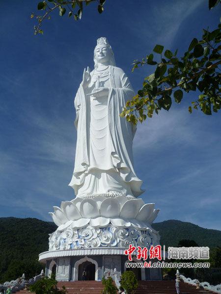 图为越南岘港灵应寺观音像.林士杰