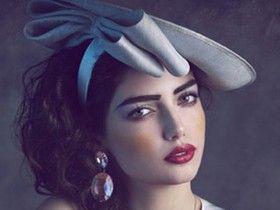 从油画中走出的女人古典妆容如梦似幻
