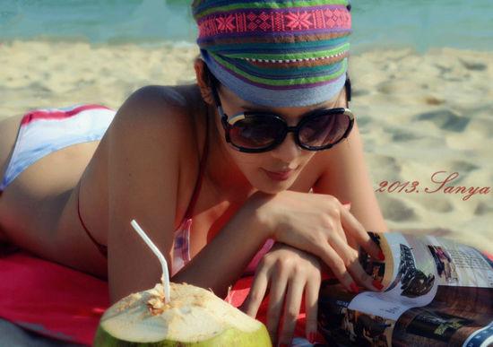 在三亚的日子除了每天睡到自然醒,大部分的时间就是在大东海沙滩上躺着看书,让心灵沉淀。