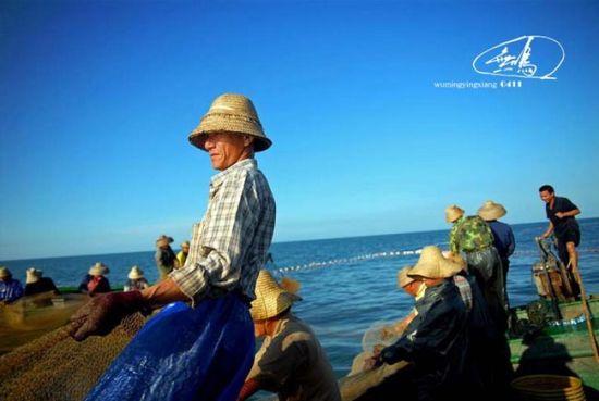欢乐的劳动号子,高大的劳作身影,我镜中的渔民印象…