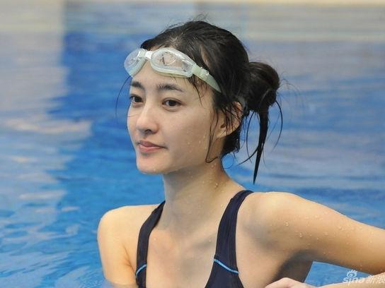 王丽坤素颜参加跳水被赞出水芙蓉素颜女神