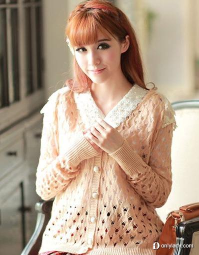 甜美宽松镂空针织衫