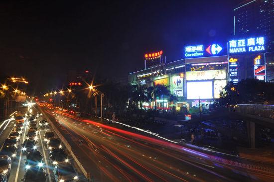 南亚广场外的风景