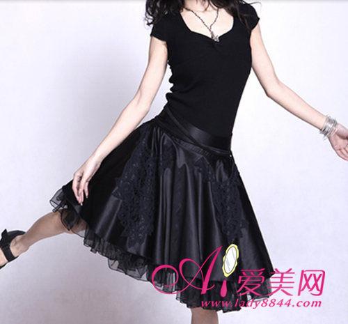 黑色蓬蓬大摆半身裙