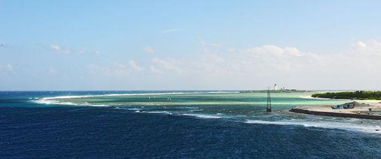 深蓝的大海