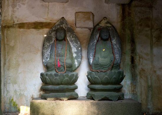 美榔双塔供奉的佛像