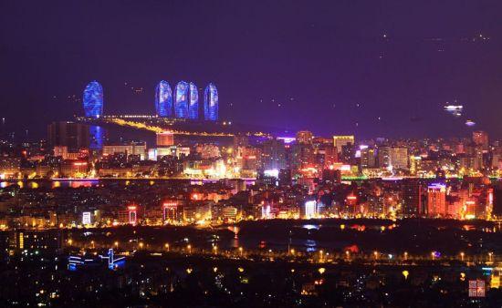 凤凰岭上看三亚夜景