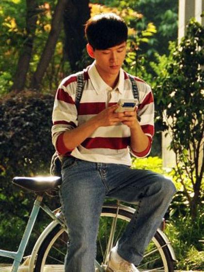 红白条纹polo领长袖T恤+牛仔裤