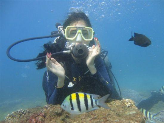 蜈支洲潜水