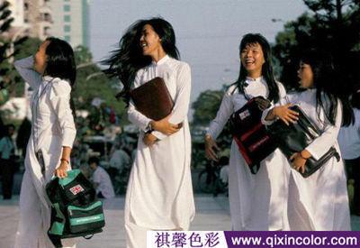 越南的女生校服白衣飘飘犹如仙女