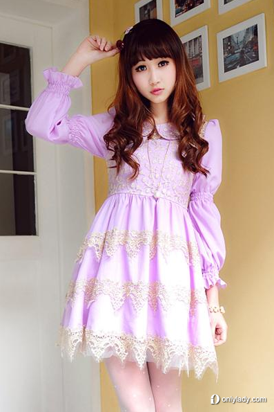 娃娃领镂空雪纺连衣裙
