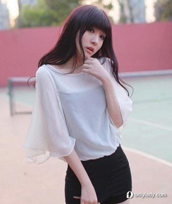 白色透视风格雪纺衫