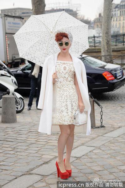镂空白裙造型