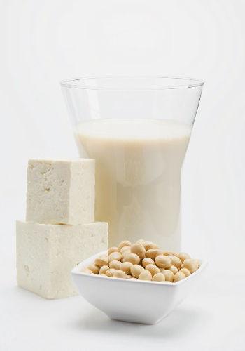 将牛奶搭配其他食物食用