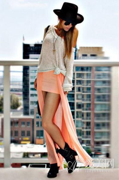 粉橙色燕尾裙
