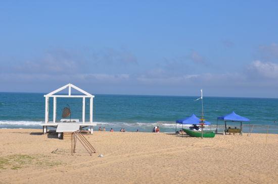 石梅湾至日月湾海边骑行,观看冲浪比赛