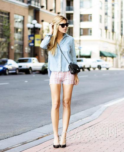 衬衫+顺条纹短裤