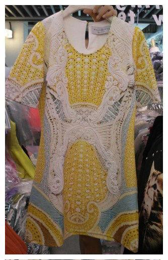 柠檬黄设计感复古连衣裙