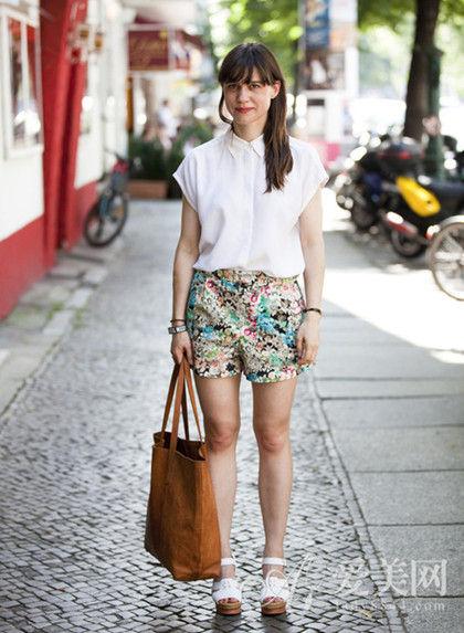 雪纺衬衫+印花短裤