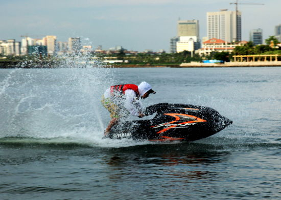 霸气摩托艇
