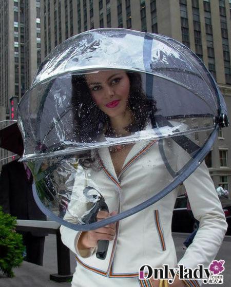 未来感十足的透明雨伞