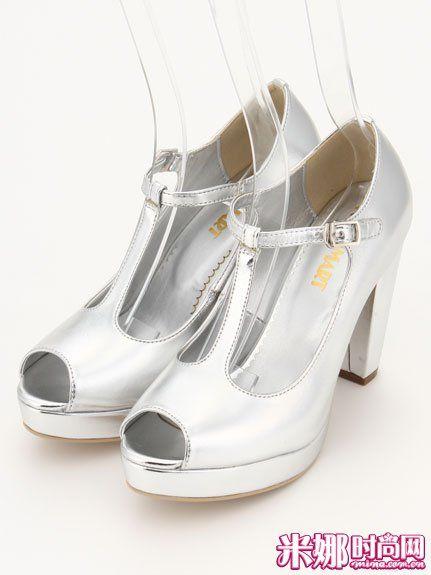 金属色高跟凉鞋