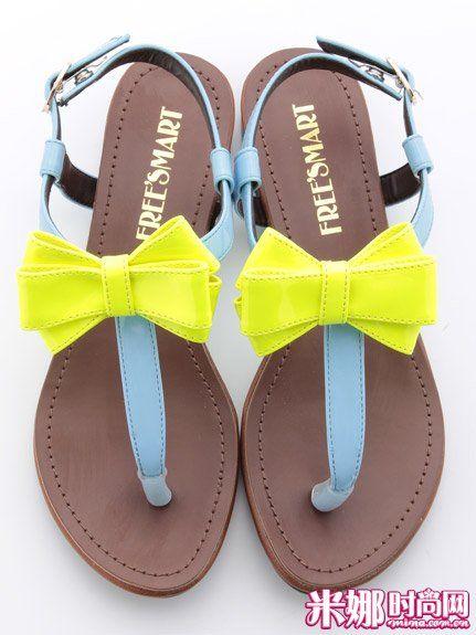 荧光撞色平底凉鞋