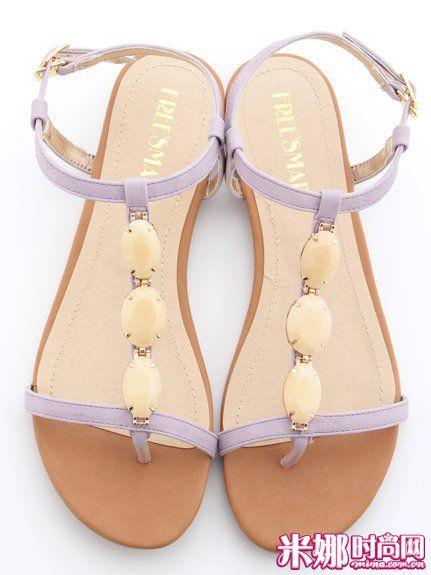 宝石装饰平底凉鞋