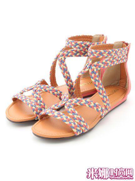 彩色编织平底凉鞋
