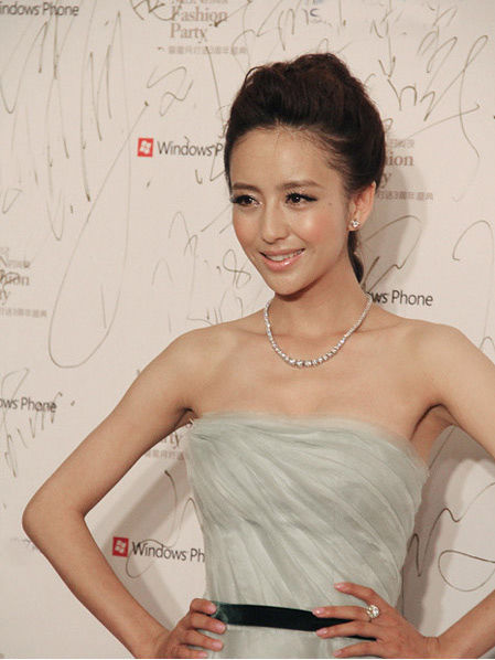 银色雪纺抹胸裙