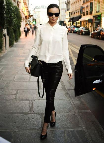 白色衬衣 + 黑色皮裤 + 高跟鞋