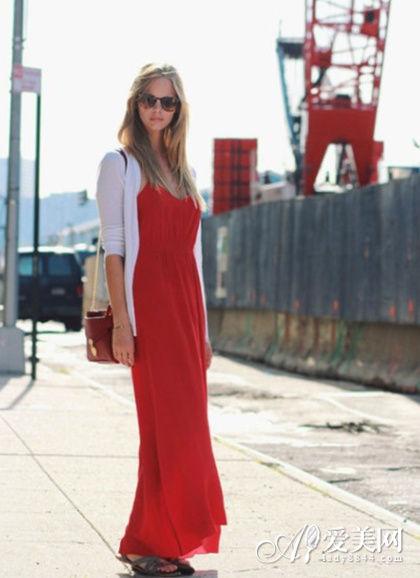 红色吊带长裙
