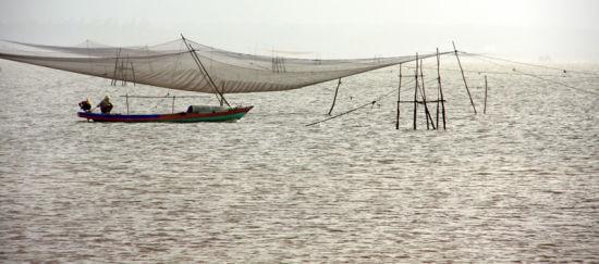 八门湾古老的捕鱼方式