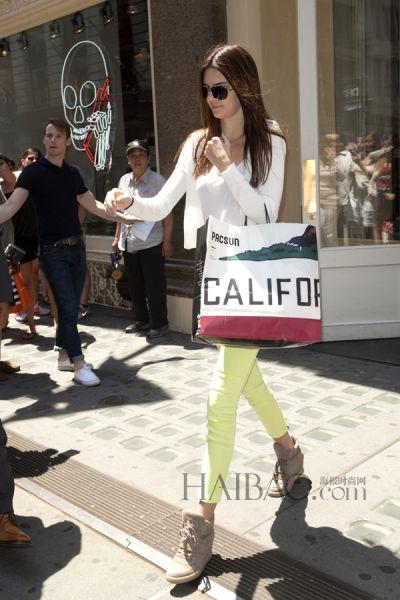 肯达尔·詹娜 (Kendall Jenner) 纽约外出购物